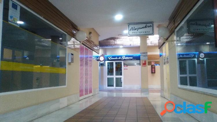 Centro Comercial Puertas de Sevilla. Local en planta baja