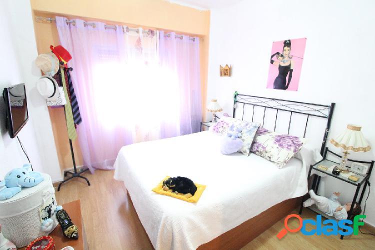 Se vende piso en Ayora reformado de 2 habitaciones y 1 baño
