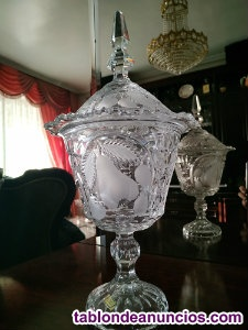 Bombonera/copa de cristal con tapa