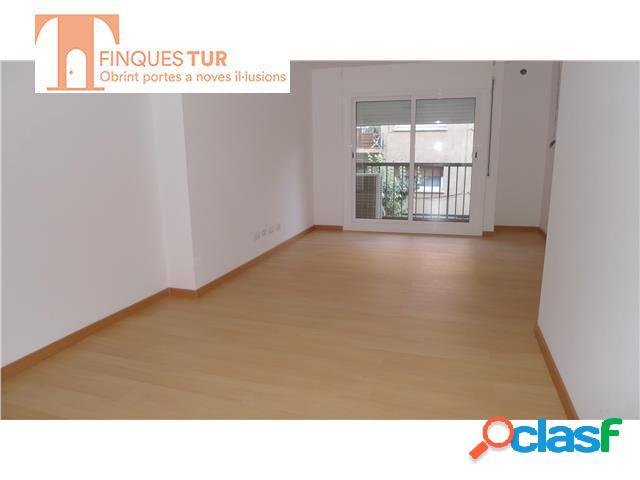 Estupendo piso en alquiler en Premia de Mar. Reformado