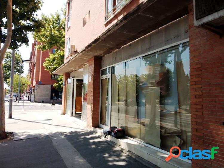 LOCAL COMERCIAL CON SUPERFICIE DE 169 m2 EN ZARZAQUEMADA,