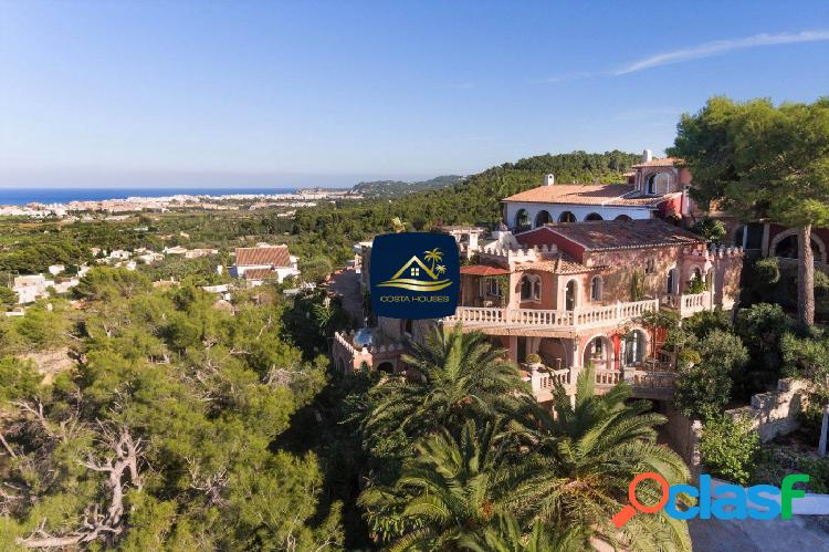 Lujosa Villa de estilo Árabe con Vistas al Mar en Javea |