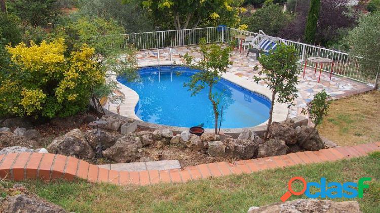 Magnifica casa a 4 vientos para 2 familias, en El Puig -