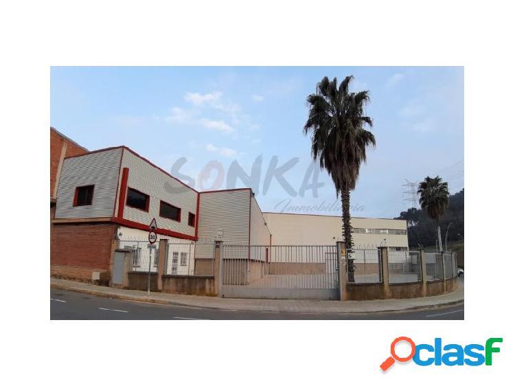 Nave industrial situada en Sant Climent del Llobregat