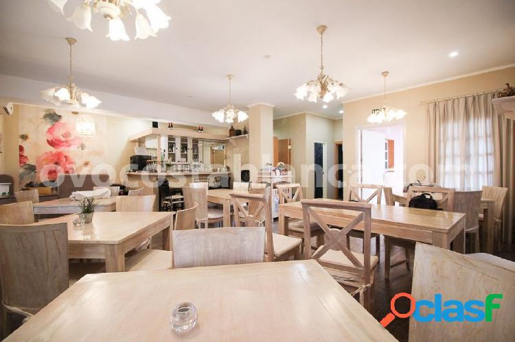 Se vende restaurante con licencia en Denia, Club Nautico.