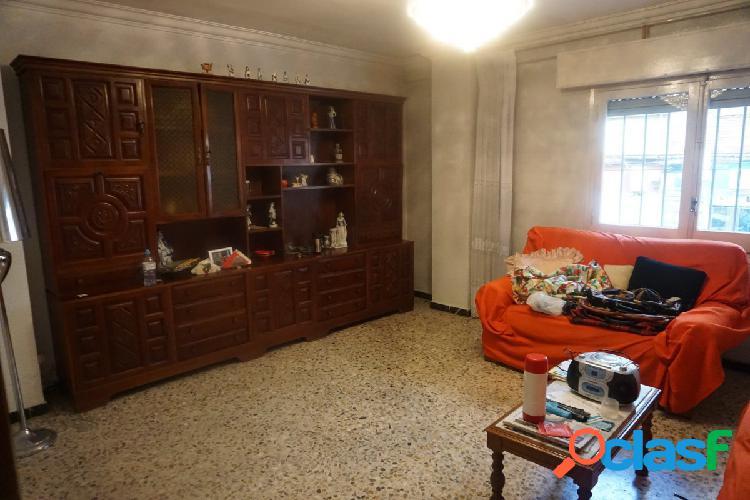 Venta de piso en Calle Sevilla - Zona Ruiseñores