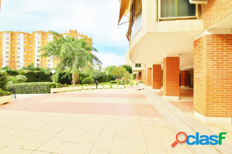 Amplia vivienda en la mejor zona de Babel con urbanización.