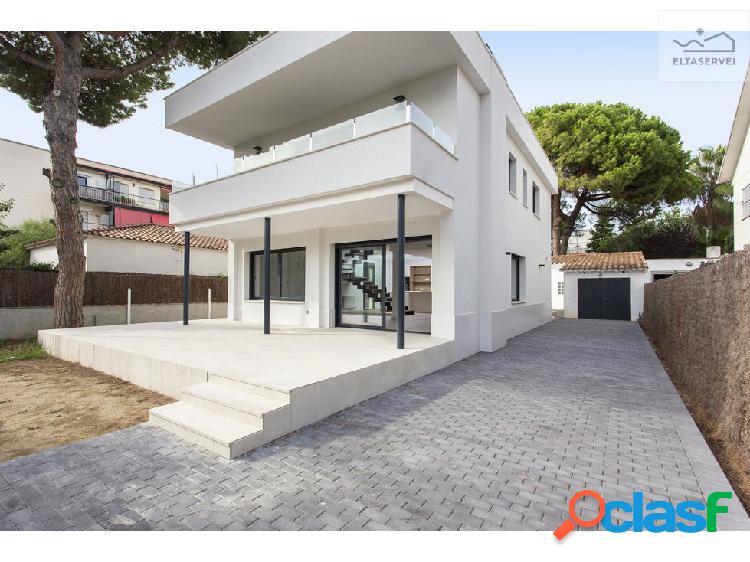 Casa individual en Can Bou de Castelldefels