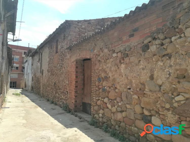 Terreno con casa antigua en el centro de Santa Perpetua