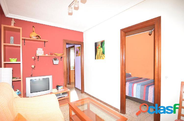 Urbis te ofrece un acogedor piso en zona El Carmen,