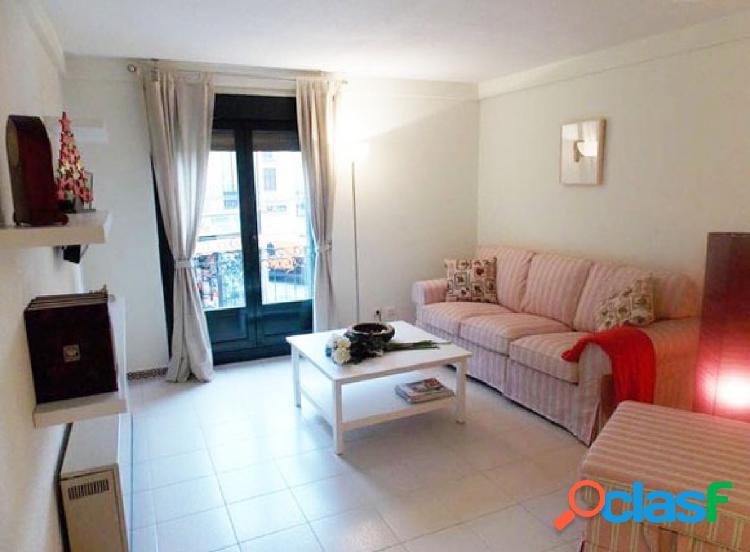 Urbis te ofrece un estupendo apartamento en zona Centro,