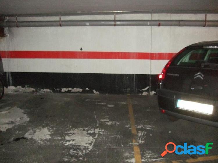 Urbis te ofrece un garaje en zona Alamedilla, Salamanca.