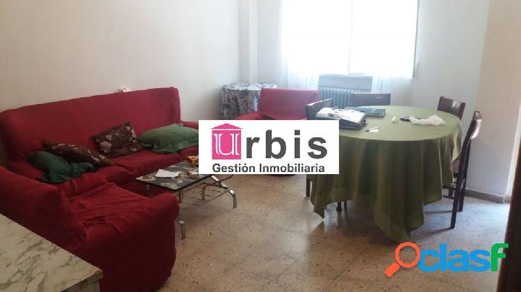 Urbis te ofrece un interesante piso en zona