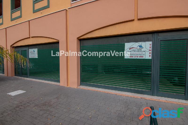 ID 379 Local comercial en una buena zona de Los Cancajos, en