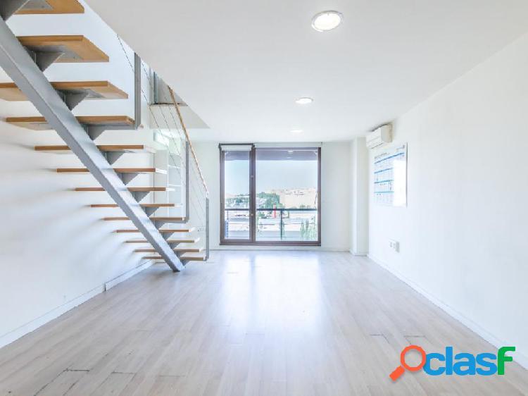 Loft duplex + terraza + 2 plazas de garaje en Vicalvaro.