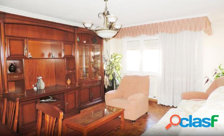 Urbis te ofrece un gran piso en zona El Rollo-Parque