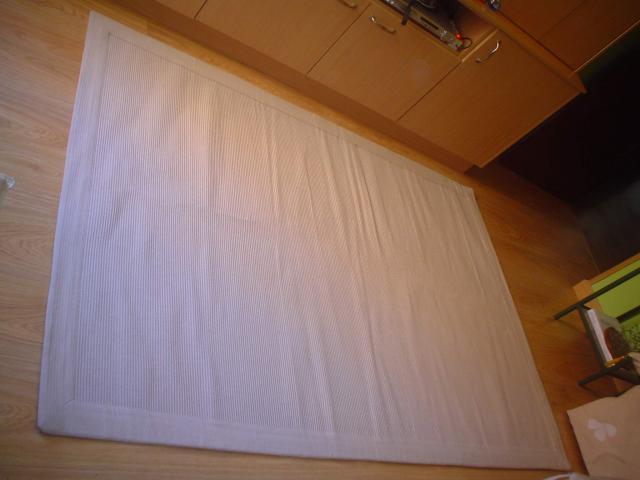 Alfombra color veis de 1,40 x 200 mts. Marca Lydum de Ikea