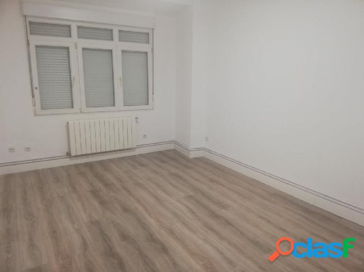 Alquiler de piso en el centro de Santander sin muebles