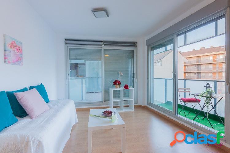Apartamento en urbanización privada con piscina