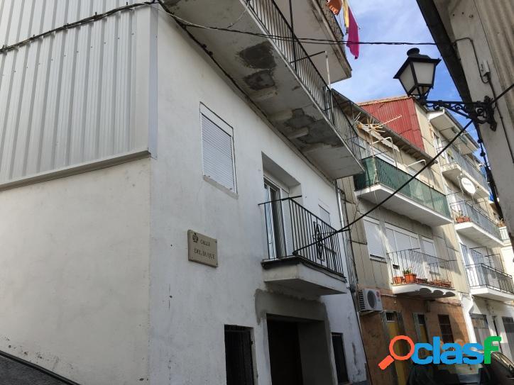 Se vende piso para reformar zona de la Antigüa