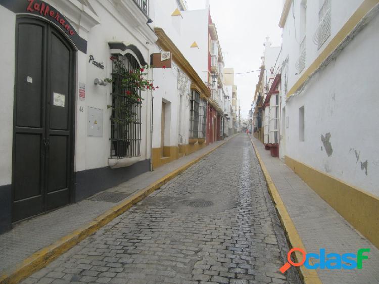 CASA A REFORMAR EN PLENO CENTRO DE SAN FERNADO
