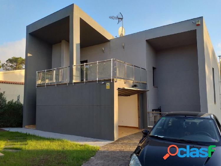 Espectacular casa de diseño a 4 vientos en Sant Joan de