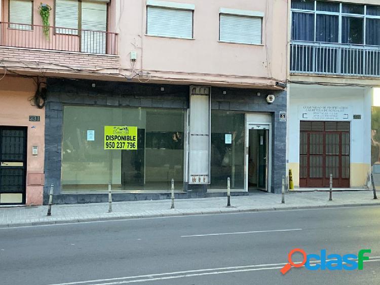 LOCAL COMERCIAL TOTALMENTE ACONDICIONADO EN CTRA DE RONDA,