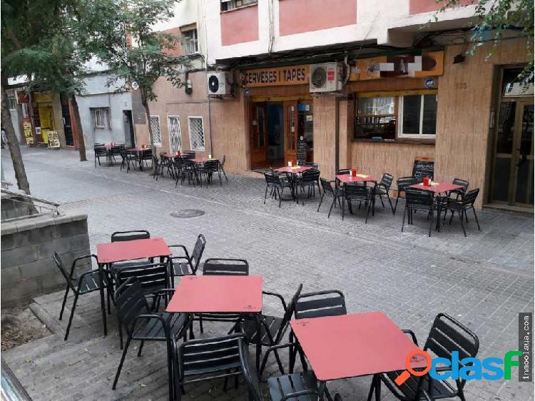 Bar C2 con terraza y salida de humos Hospitalet