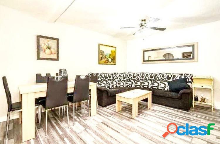 Apartamento de 2 dormitorios en pleno centro de Benidorm