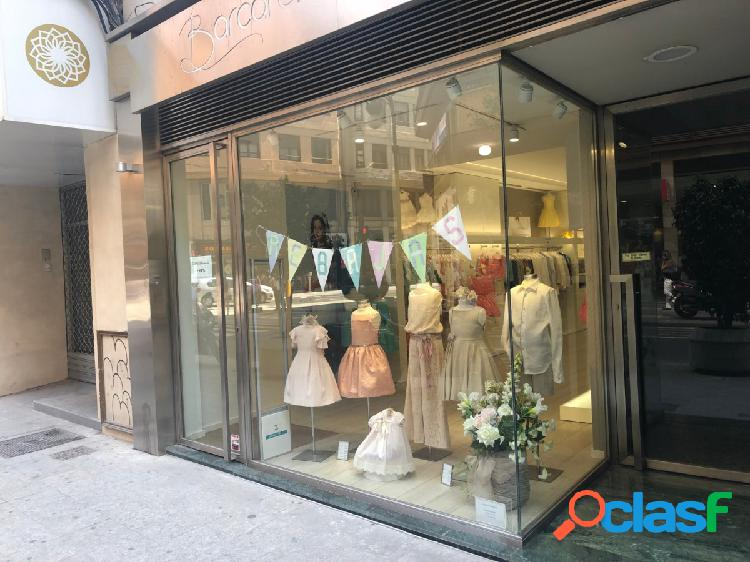 ESPECTACULAR LOCAL COMERCIAL EN LA CALLE SAN VICENTE - PLAZA