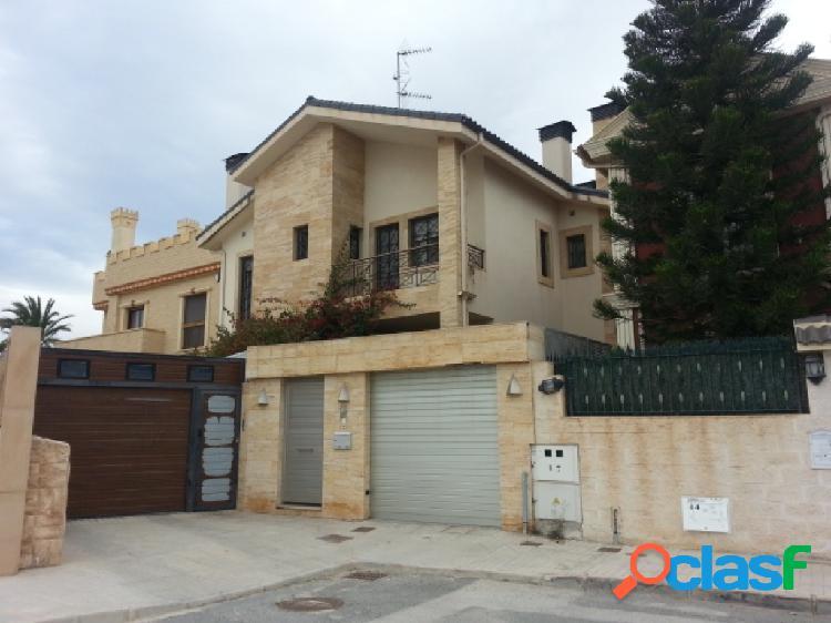 Casa de pueblo en Venta en Elche Alicante