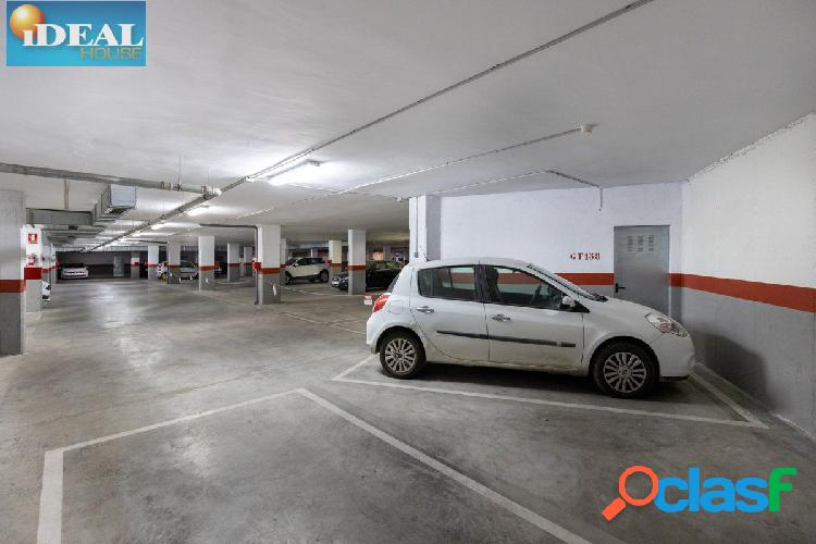 A6248Magnifica plaza de garaje con amplio trastero junto