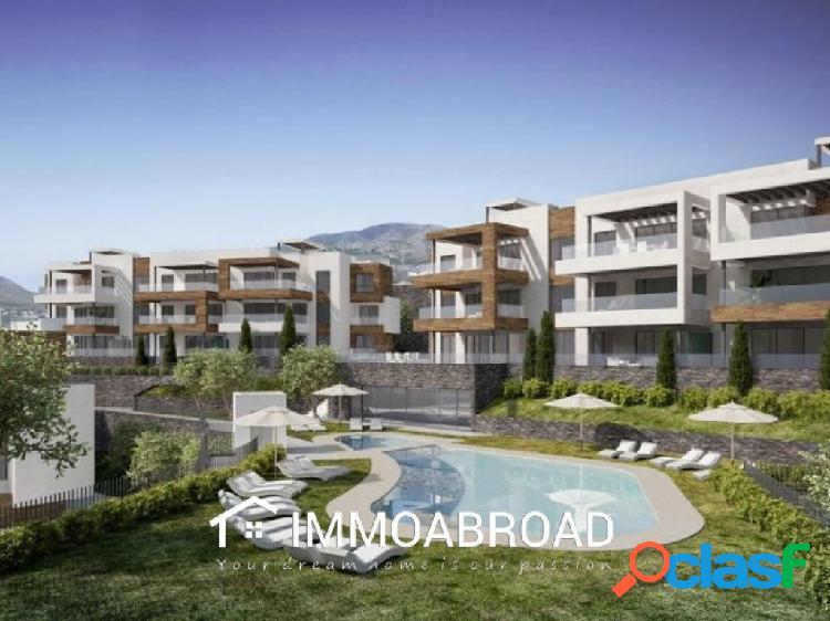 Apartamento en venta en Fuengirola con 2 dormitorios y 2