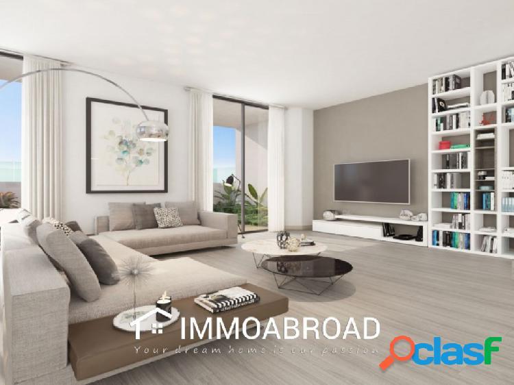 Apartamento en venta en Fuengirola con 3 dormitorios y 2