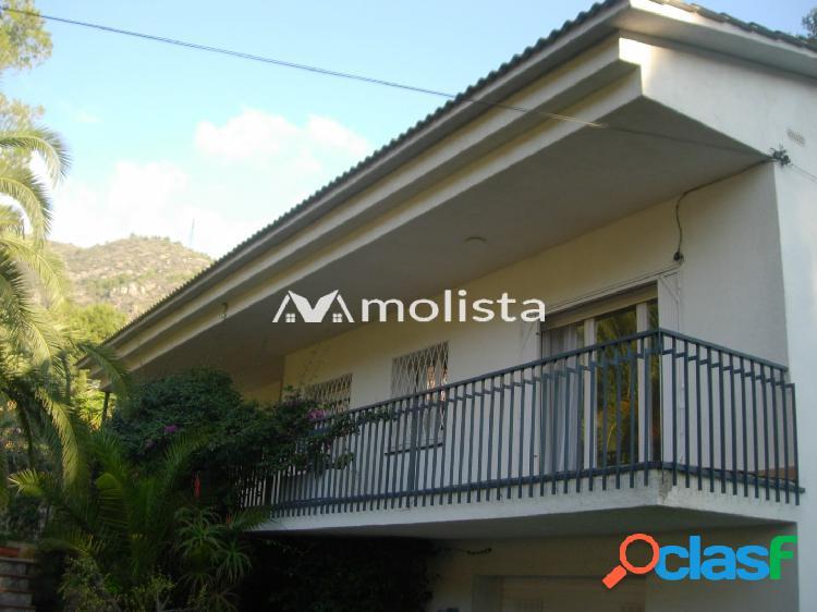 Fantastica casa independiente de 5hab. en zona bellamar.