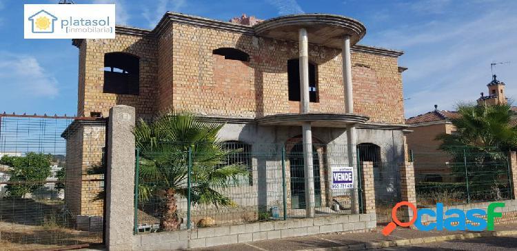 MAGNÍFICO CHALET EN CONSTRUCCION EN GERENA