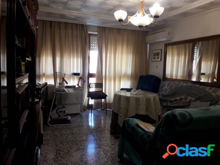 Piso en venta de 132 m2 en Lorca, céntrico.