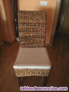 Vendo 2 sillas de rafia y madera