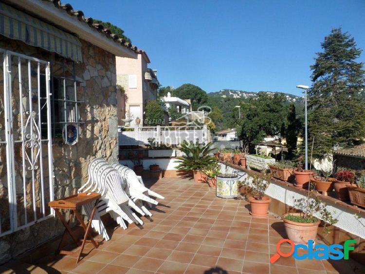 1080 - Casa adosada en Lloret de Mar