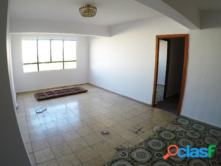 AMPLIO piso en CALLE MANACOR