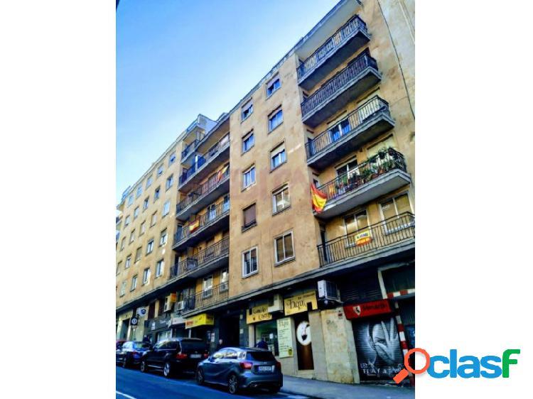 Junto a Gran Vía en Salamanca, se vende piso de 150m2 de