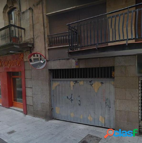 Urbis te ofrece dos plazas de garaje en la zona Centro,