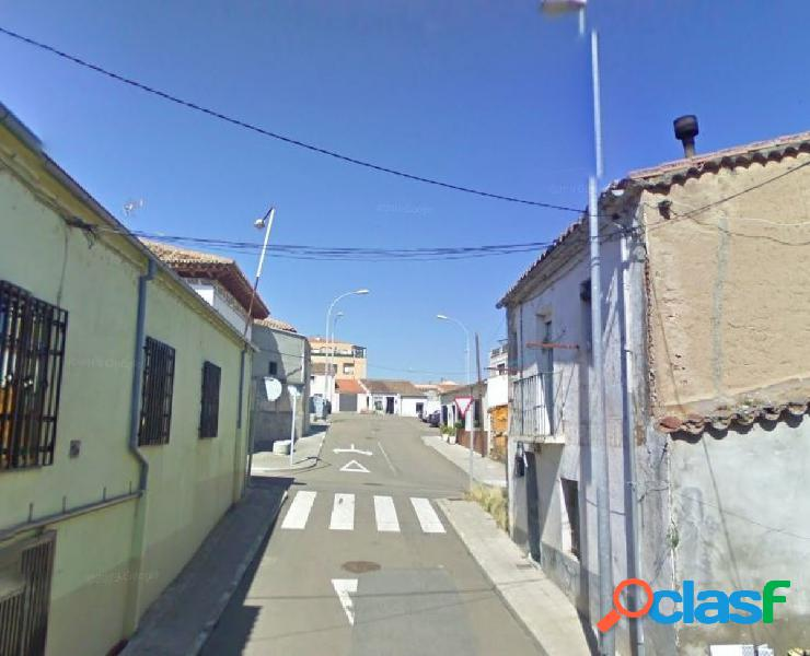 Urbis te ofrece un solar en zona Tejares, Salamanca.
