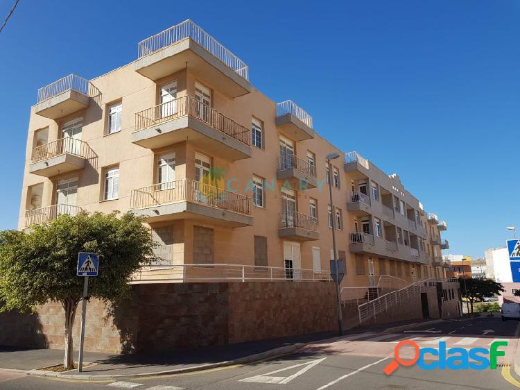 12 Apartamentos y 15 Plazas de Garaje en San Isidro -