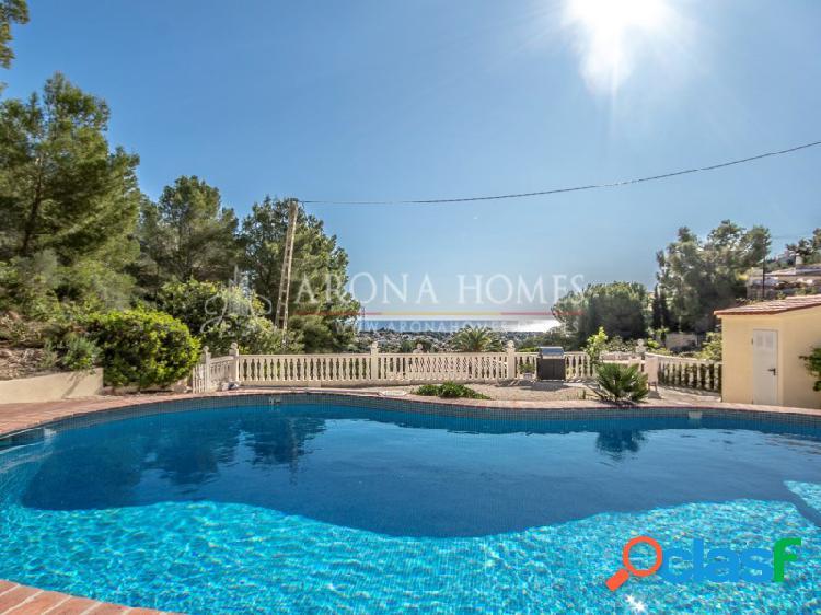 #MR0005 Casa en Benissa con un parcela muy grande con