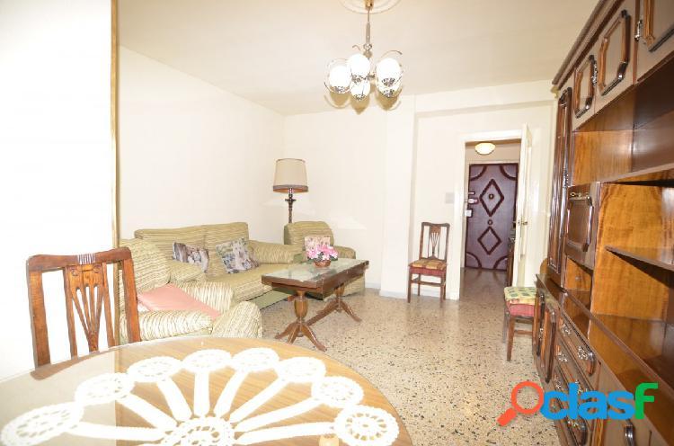 Urbis te ofrece un interesante piso en zona Delicias,