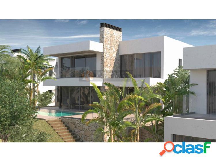 Villa a la venta en la zona de El Chaparral, Mijas.