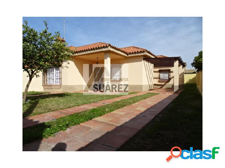 Casa en alquiler o venta en Chiclana de la Frontera.