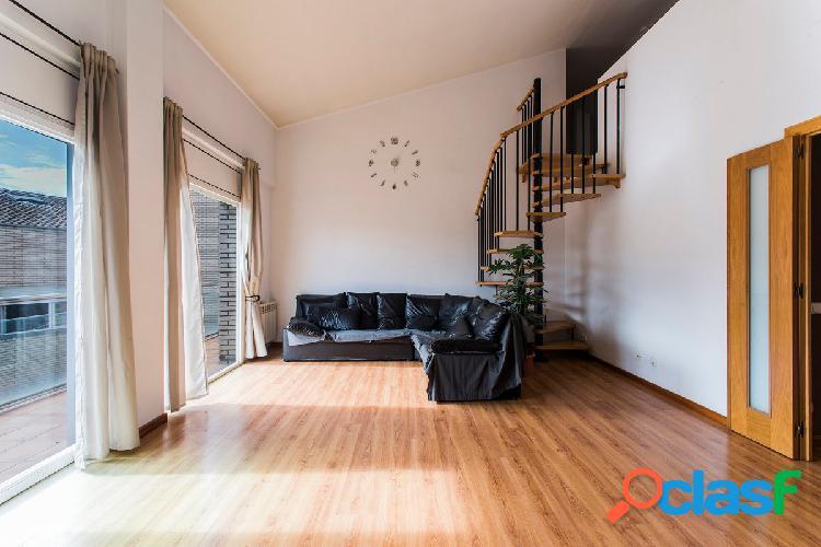 Gran piso tipo dúplex con pkg y trastero