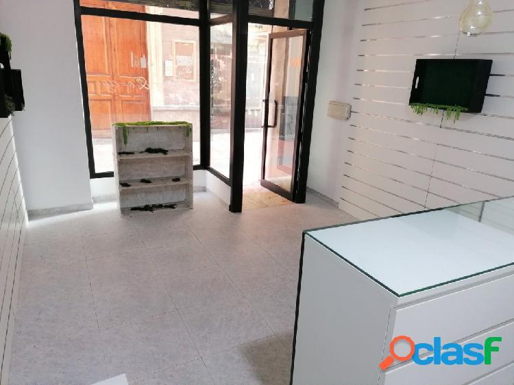 Local de 31 m2 en Calle Barqueros en el Centro